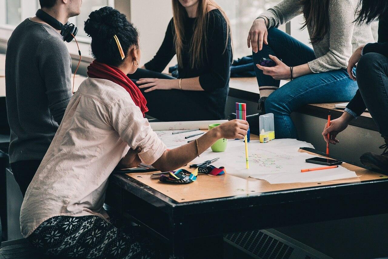 Jobs für Absolventen – Vom Studienalltag in die Berufspraxis